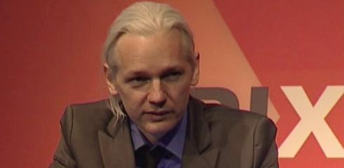Assange, fundador de WikiLeaks, buscado por la Interpol