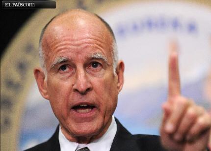 Los funcionarios californianos perderán sus móviles