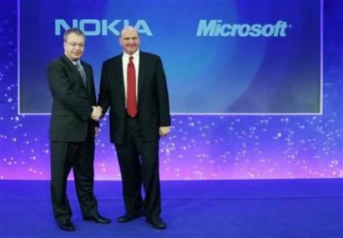 Elop da ejemplo: vende acciones de Microsoft y compra de Nokia