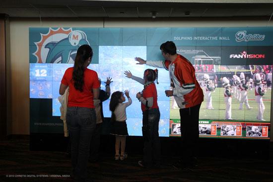 Los Miami Dolphins apuestan por Christie MicroTiles