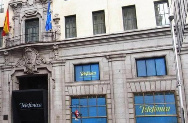 Telefónica destina 450 millones de euros en incentivos para directivos mientra despide al 20% de la plantilla