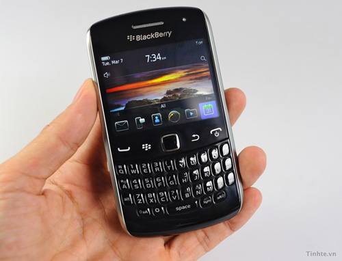 BlackBerry Apollo (Curve 2011) en vídeo