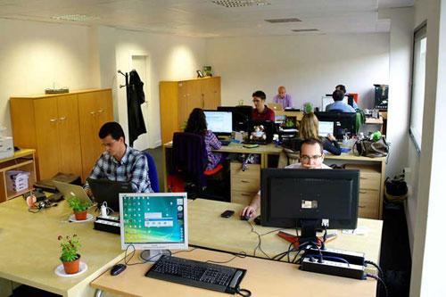 Oficina publica saludable dise o de oficinas modernas y for Imagenes de oficinas de lujo
