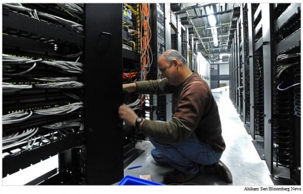Google utiliza 900.000 servidores