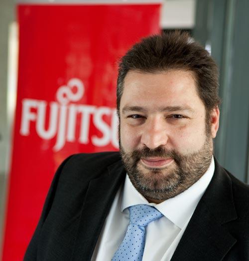 Sergio Reiter Nuevo servidor micro torre Fujitsu PRIMERGY TX 100 S3