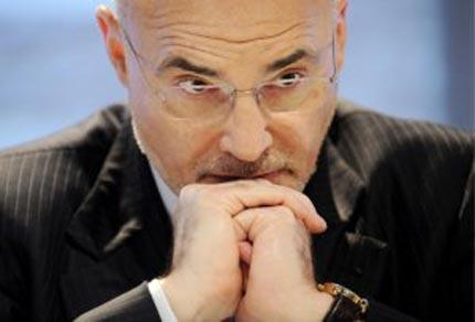 Leo Apotheker podría ser sustituido como CEO de HP por la ex de eBay