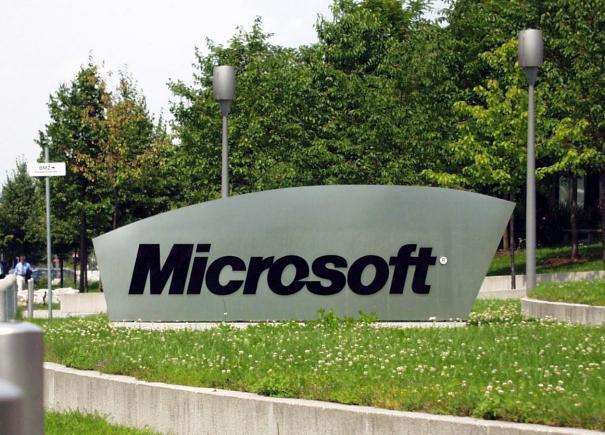 Competencia abre un expediente a Microsoft por impedir la reventa de su software