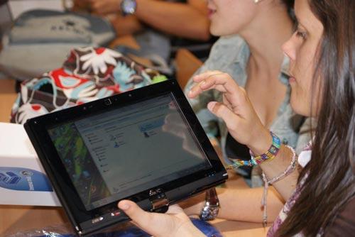 La UCLM y Microsoft acercan las TIC a los futuros educadores