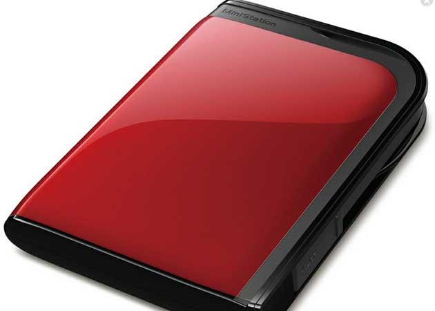 Buffalo presenta discos duros portátiles robustos y seguros
