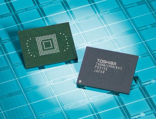 Toshiba celebra 25 años de memorias Flash