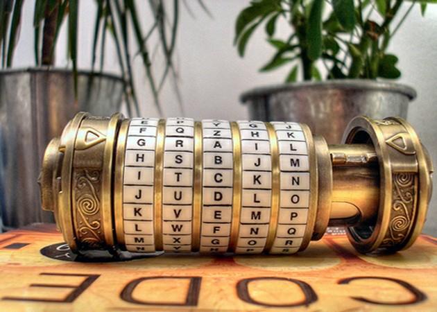 Fujitsu rompe el sistema de cifrado asimétrico de 923 bits