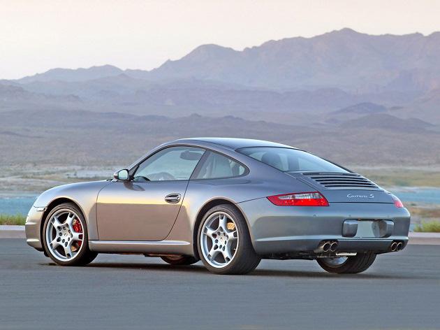 ¡Rellena esta pequeña encuesta y conduce un Porsche Carrera S!