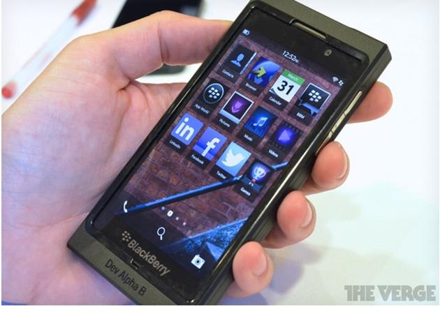 BlackBerry 10 en camino, RIM está muy viva