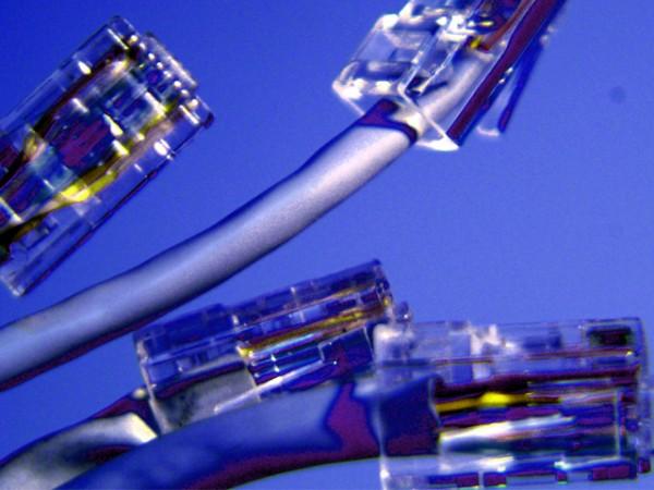 La banda ancha fija en España registra la mayor caída de su historia
