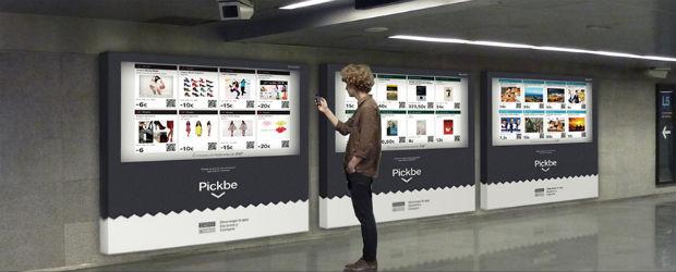 El metro de Barcelona estrena las primeras  tiendas virtuales de la mano de Pickbe