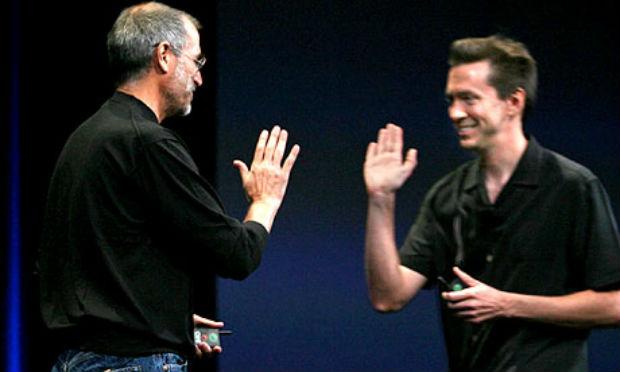 "Apple despide a Scott Forstall, ""la mano izquierda de Jobs"""
