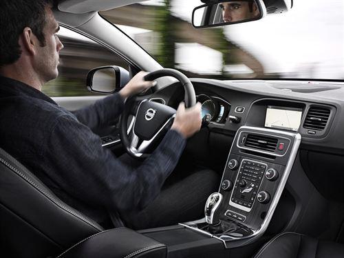 El 'coche conectado' llega al mercado de la  mano de Volvo y Ericsson