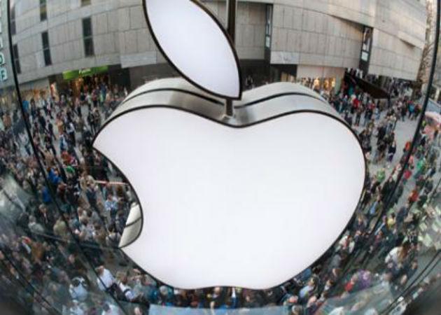 La baja demanda del iPhone 5 hace caer las acciones de Apple a su nivel más bajo