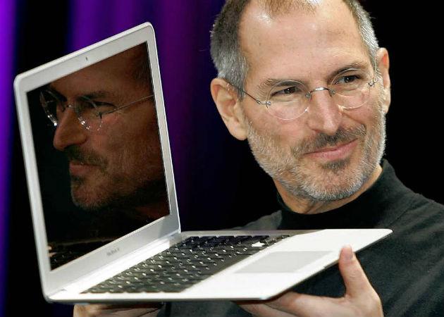 """Steve Jobs amenazó con demandar a Palm por la """"caza furtiva de empleados"""""""