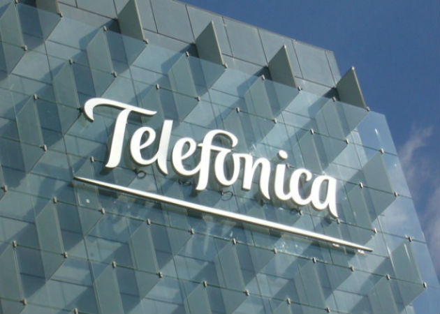 Telefónica renueva su contrato de concesiones móviles en Perú