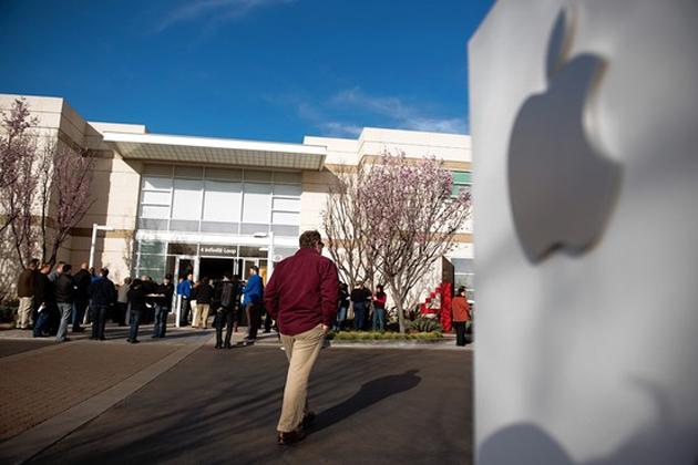 Cook pide paciencia a los accionistas de Apple