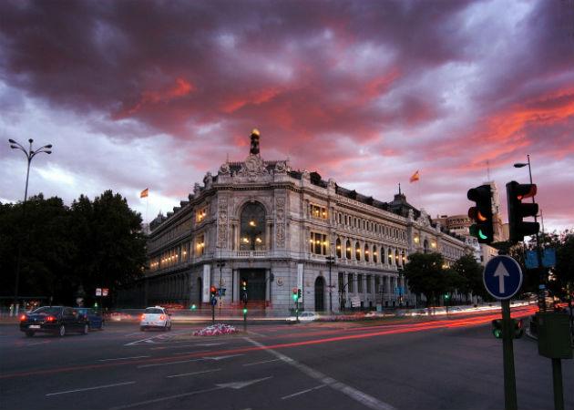Los bancos españoles reducen las inversiones en tecnología