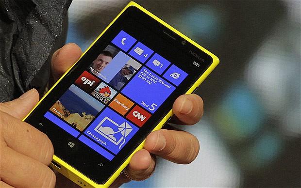 Lumia le da un empujoncito a Nokia