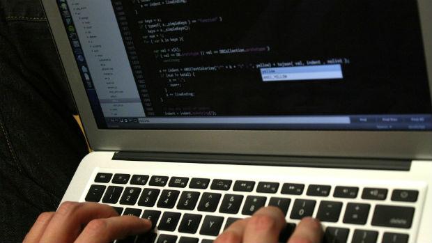 Casi el 40% de los pequeños negocios españoles subcontratan online al subcontinente Indio