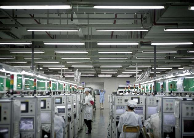 Foxconn contrata a 10.000 trabajadores, empieza la fabricación del nuevo iPhone