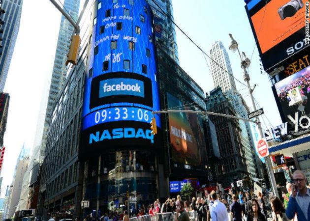 Los accionistas de Facebook muestran a Zuckerberg su decepción