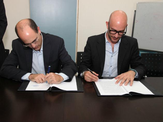 En la foto Carlos Domingo presidente y CEO de telefónica I+D y Avi Hasson jefe científico del Ministerio de Economía de Israel
