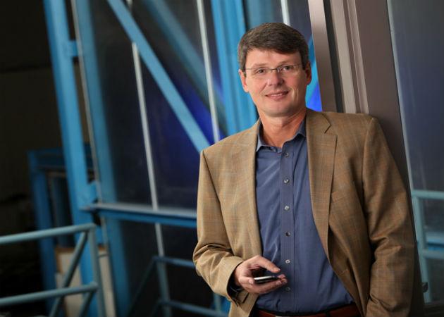 El CEO de BlackBerry ganaría 55 millones si se vende la compañía