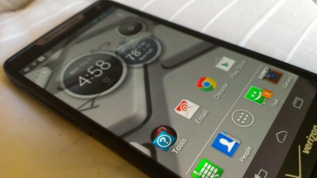 CEO de Motorola defiende que el Moto X es lo que el consumidor quiere
