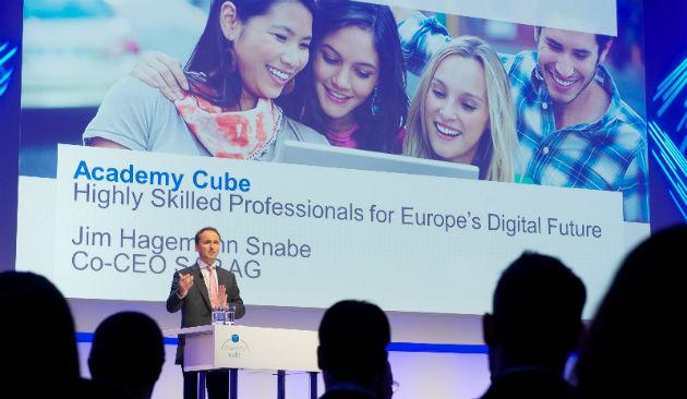 Academy Cube ya está disponible en España para combatir el desempleo juvenil