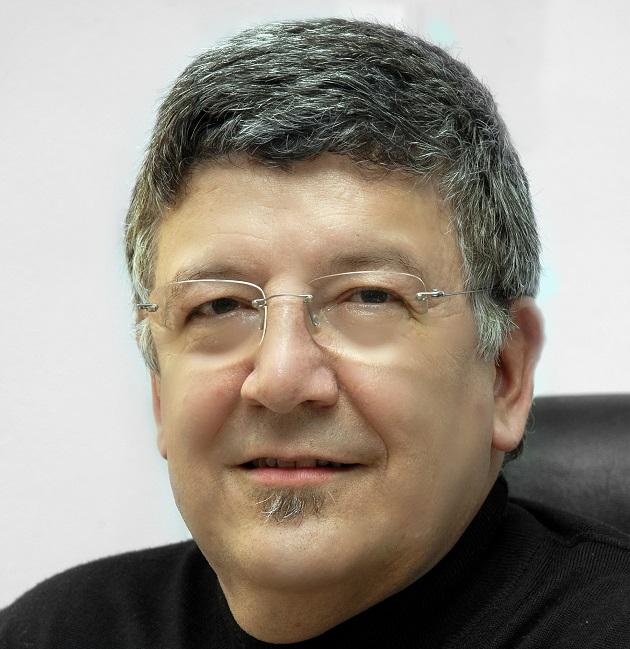 Julio Olivares