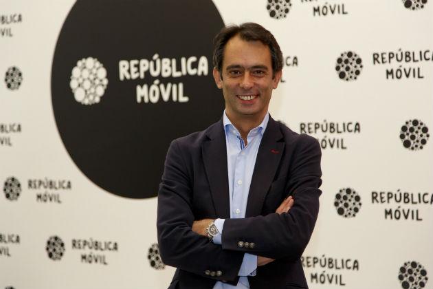 """Carlos Vecino, de República Móvil: """"Los clientes siguen teniendo la percepción de que pagan de más"""""""