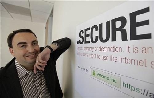 Yahoo ficha a un importante experto en seguridad como CISO