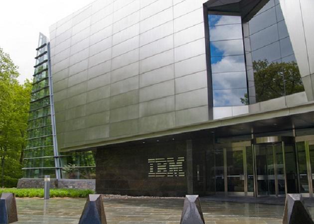Los ingresos de IBM bajan en el primer trimestre un 4%
