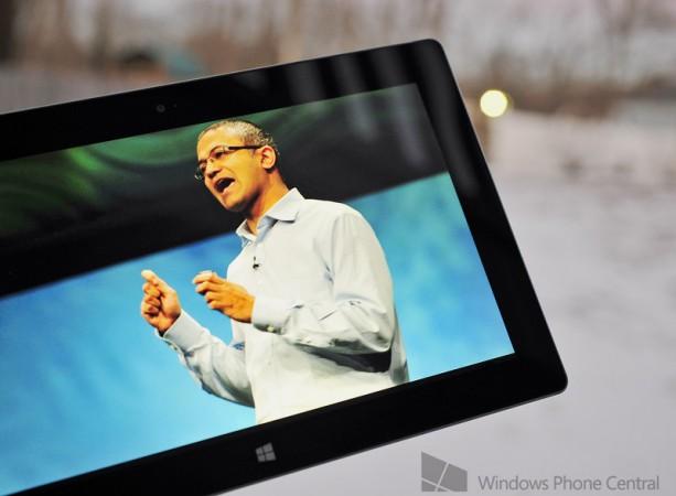 El CEO de Microsoft promociona las nuevas Surface