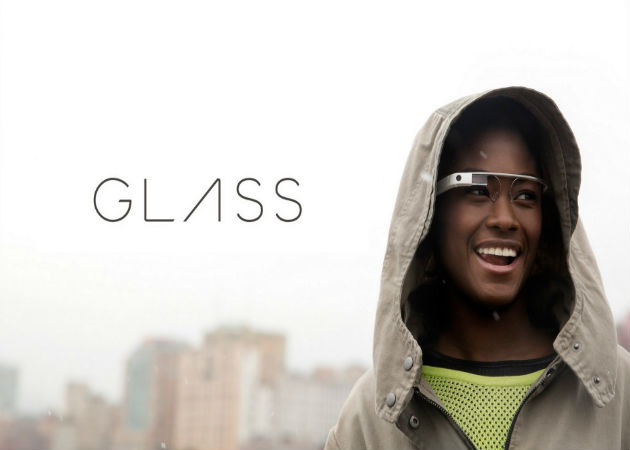 Las Google Glass permiten recibir y ver notificaciones sólo mirando su pantalla