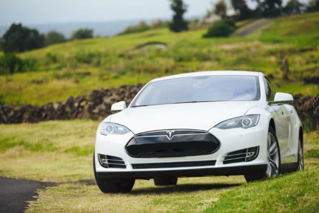 Tesla invita a los hackers a dar una vuelta en su coche