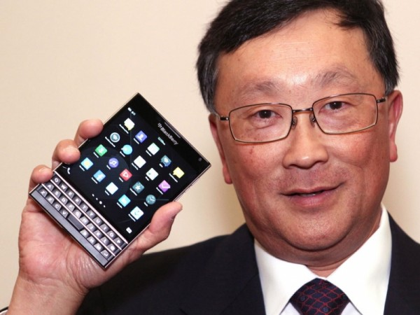 John Chen anuncia que ya ha recibido 200.000 pedidos para BlackBerry Passport