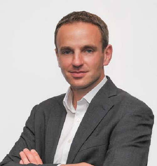 """John Rollanson, de NetApp: """"La nube híbrida empresarial es el futuro y la gestión de datos en la nube es el principal campo de batalla"""""""