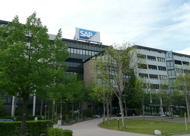 SAP recorta su pronóstico de ganancias operativas para todo el año