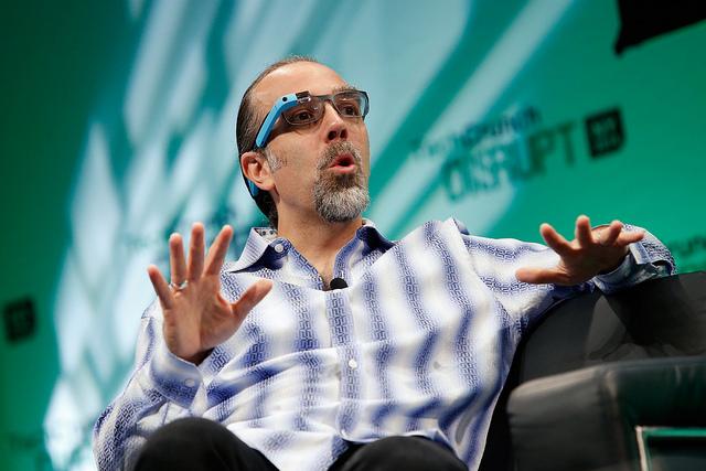 Astro Teller, de Google, opina que los wearables deberían ser más baratos