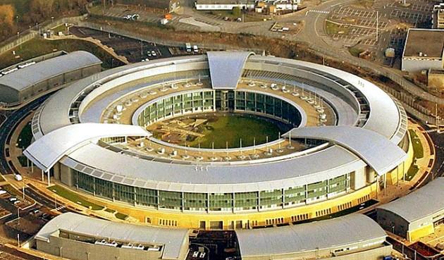 El director de espionaje de Reino Unido demanda más acceso a Twitter y Facebook