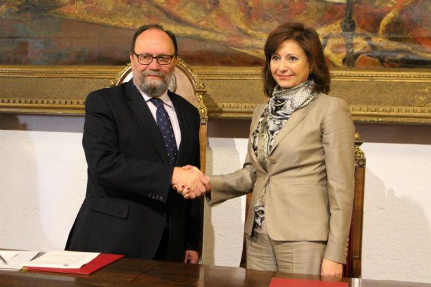 Fujitsu y la Universidad de Granada firman un convenio para fomentar el uso de las TIC