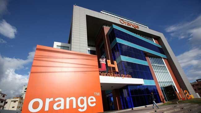 Bruselas revisa la compra de Jazztel por Orange, ante un posible problema de competencia