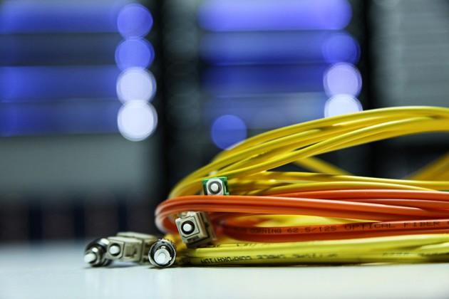 La CNMC propone que Telefónica comparta su red de fibra óptica