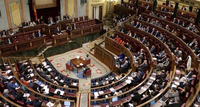 Telefónica dotará al Congreso de telefonía móvil y fija para uso personal